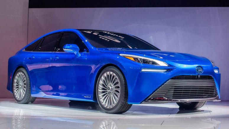 Striking 2021 Toyota Mirai Wants You To Completely Forget About Its Fugly Past