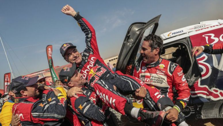 Carlos Sainz wins his third Dakar Rally; American motorcyclist wins