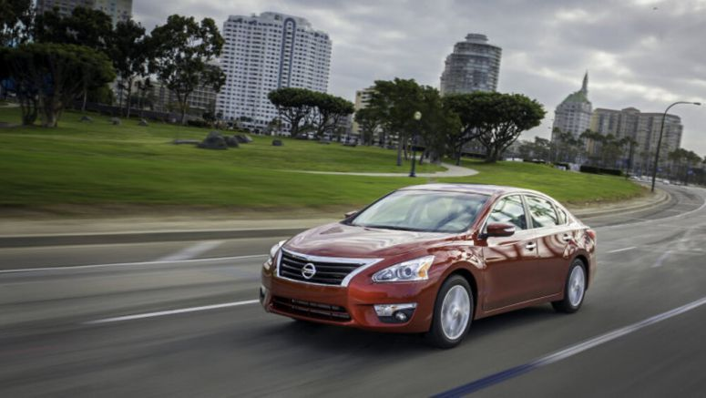 Nissan recalls 1.8 million Altimas over rusty secondary hood latch