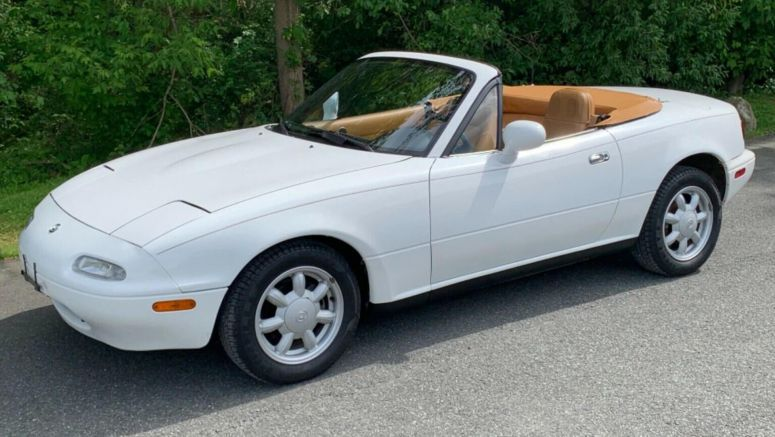 Hurry Up And Bid On This 15k Mile 1993 Mazda MX-5 Miata
