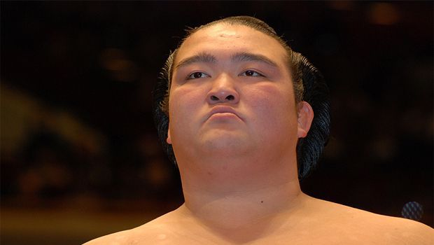 Kisenosato stays on course for ozeki promotion