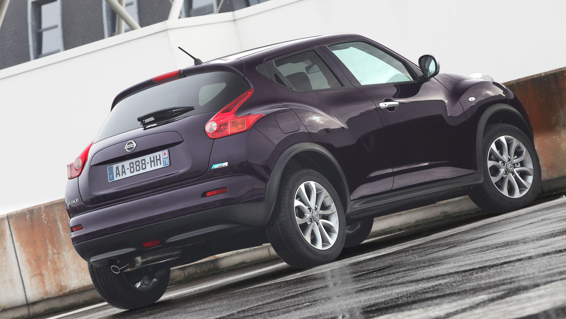 Nissan juke shiro sophisticated and chic auto moto japan bullet nissan juke shiro sophisticated and chic vanachro Image collections