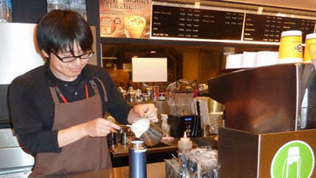 Zojirushi, cafes eye spreading services for flask users