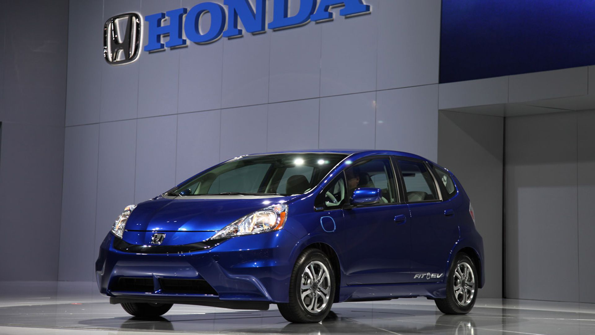 2013 Honda Fit EV Rated By The EPA At 118 MPGe, Highest Fuel Efficiency ...