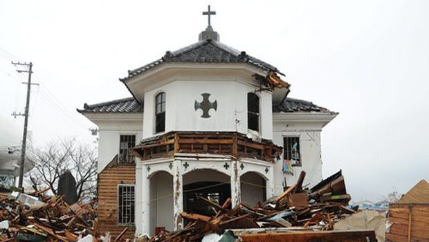Preservation of oldest surviving wooden church in Japan an issue in disaster-hit Ishinomaki