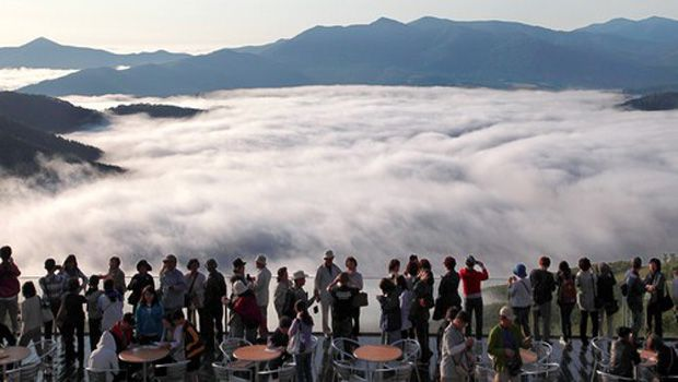 Observatory over sea of clouds sees sky-high popularity