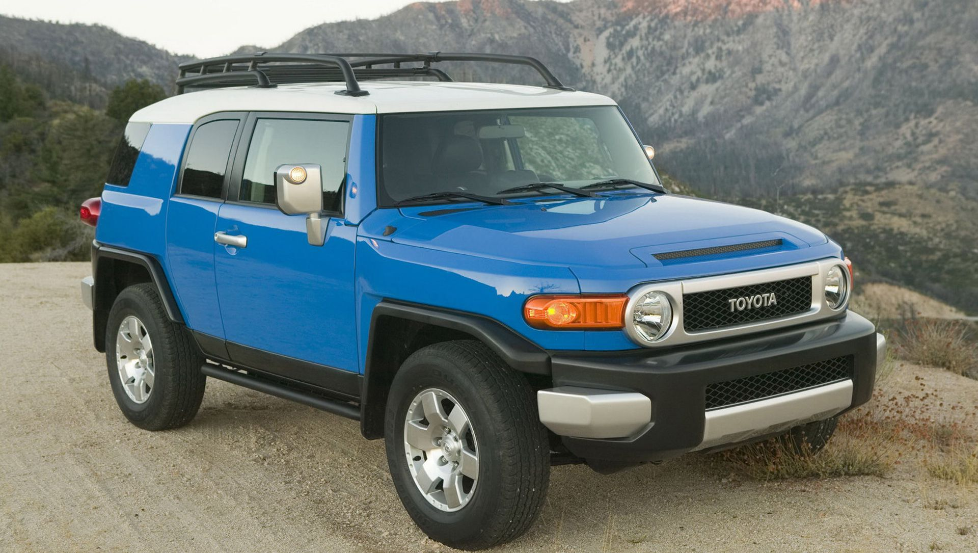 2013 Toyota FJ Cruiser Adds New Cement Grey Trail Teams Special Edition  Model