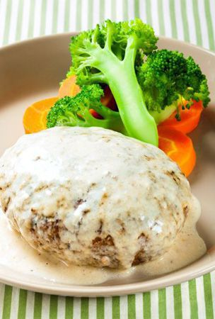 Hamburg steak with cream sauce