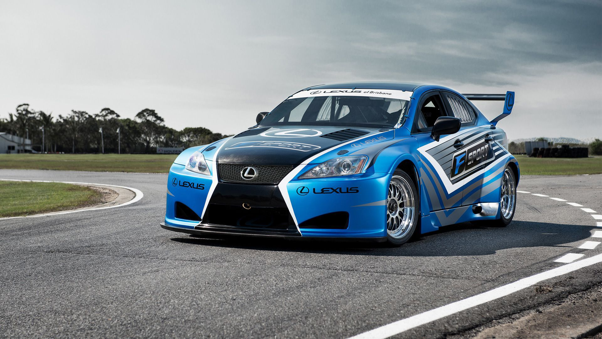 Lexus Races Into 2013 With V8 Supercar | Auto Moto | Japan Bullet