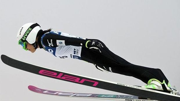 Ski jumping: Takanashi wins 2nd straight World Cup jump