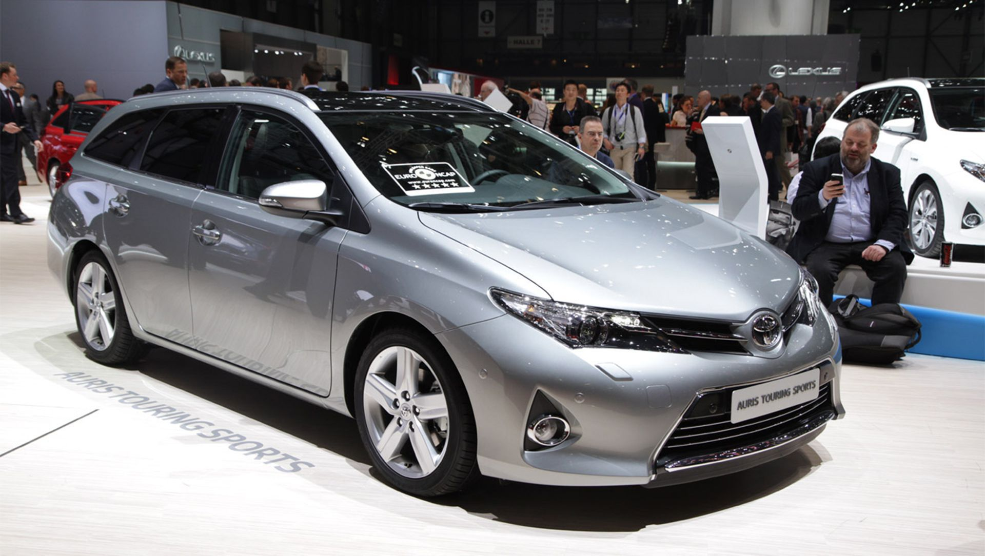 2016 Toyota Corolla Wiring Diagram Pollution Worries Hybrid Range Offers A Comprehensive 2013 Geneva Motor Show Auris Touring Sports