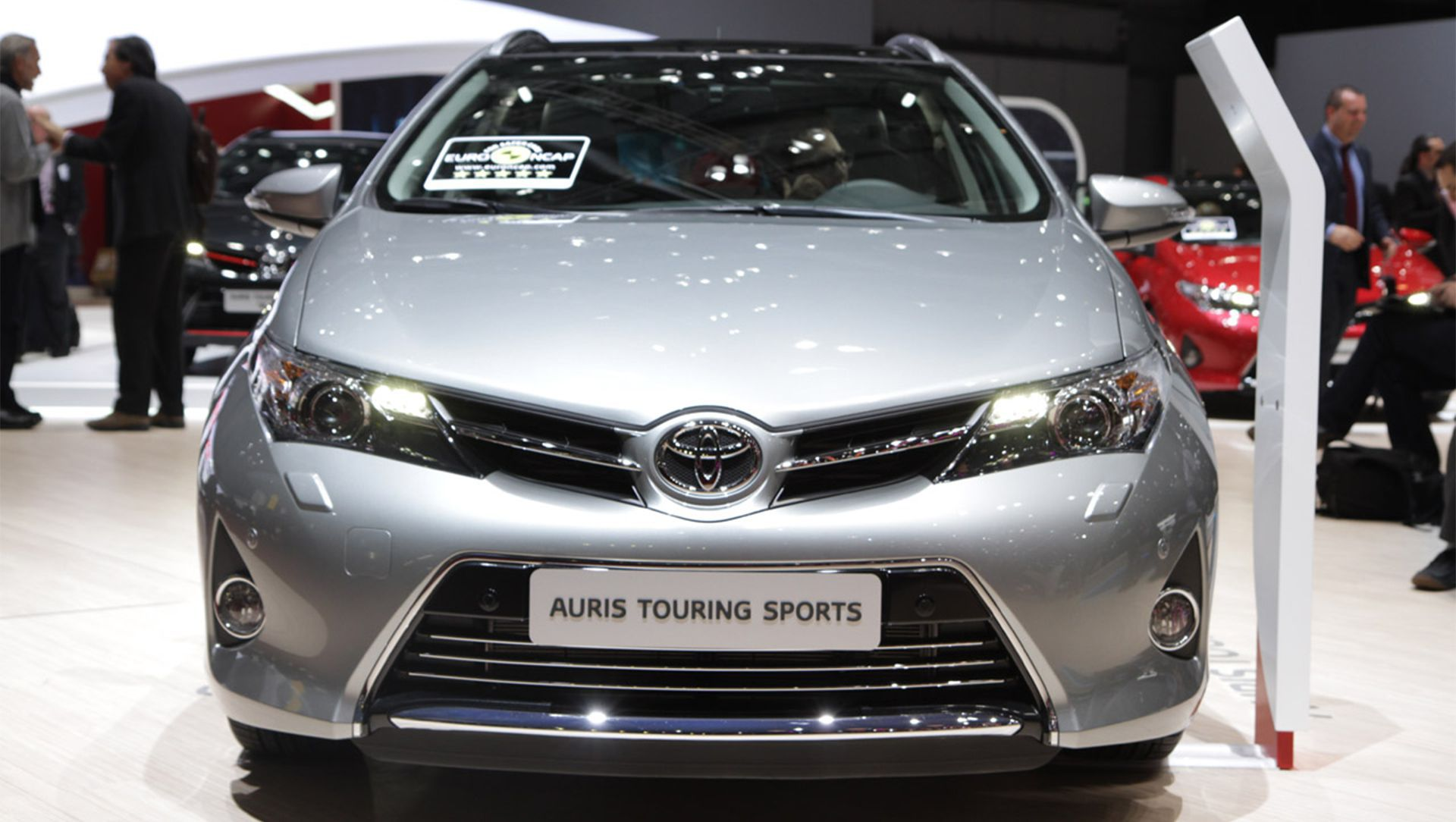 Toyota Auris Hybrid Wiring Diagram Electrical Diagrams 2013 Vw Fuse Video New Touring Sports The Station Wagon