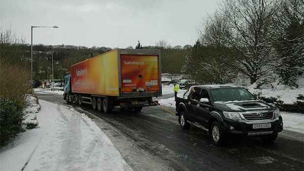 Toyota Hilux rescues ice road trucker