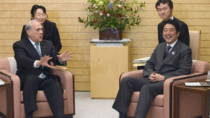 OECD head conveys support for Abe's economic policies