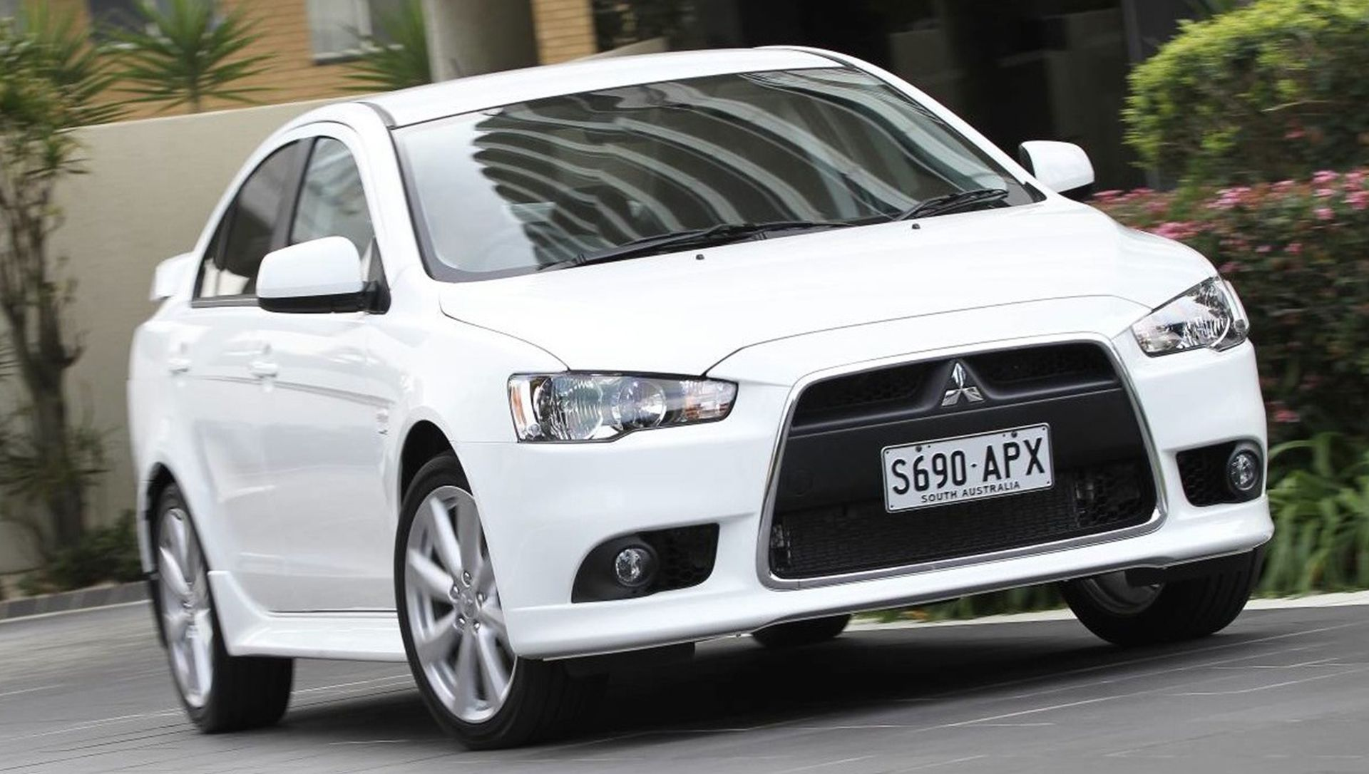 update 2014 mitsubishi lancer evolution to sell for 34995