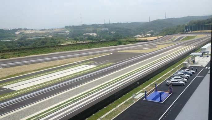 Update : Toyota opens new training center with a 1.3 km oval track for sales staff