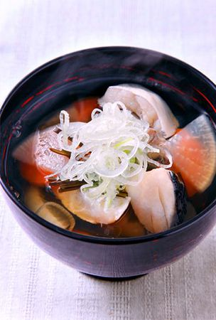 Soothing soup with kelp stock, cod and daikon radish