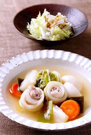 Japanese-style pot-au-feu with rolled Chinese cabbage and pork
