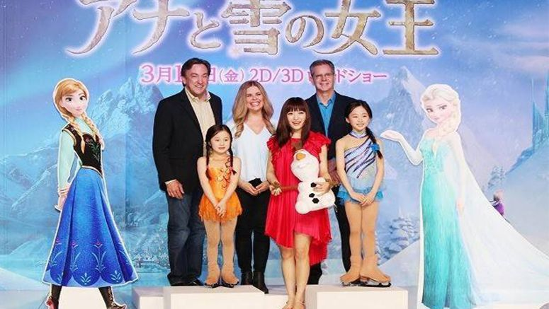 'Frozen' directors greet Japanese press
