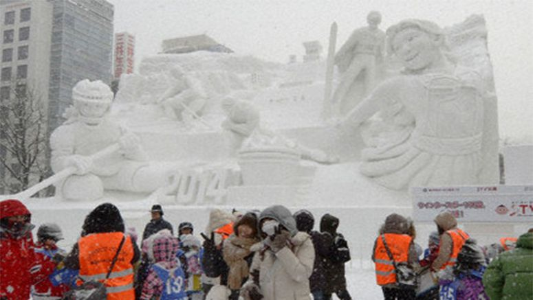 Unseasonable temperatures hit Sapporo Snow Festival preparations