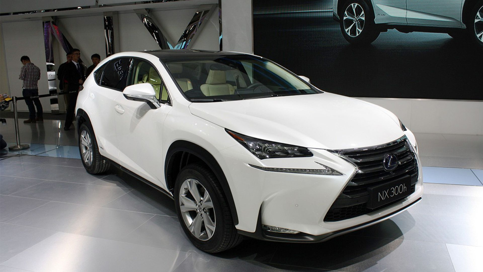makes specs is radka lexus news car s models photos blog