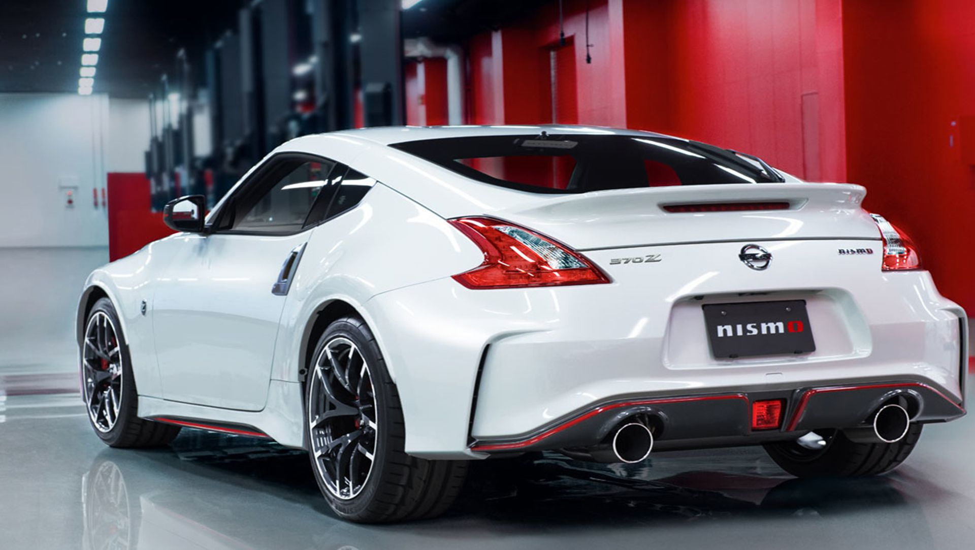 ... Photo Update : Nissan Reveals Updated 2015 370Z Nismo Among The  Faithful ...