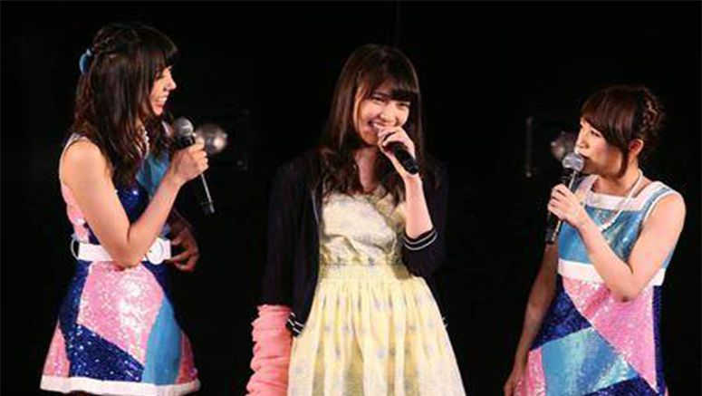 AKB48's Iriyama Anna appears at the theater for the first time since 'slashing incident'