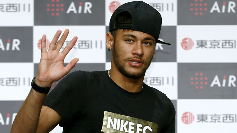 Soccer: Brazilian star Neymar says on the way to recovery