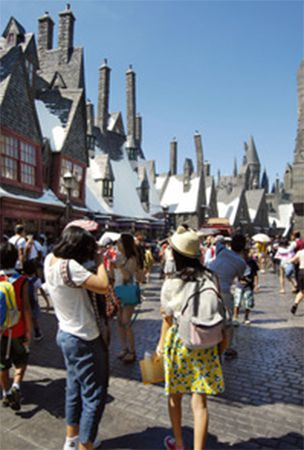 Universal Studios Japan to see record 870,000 visitors in July