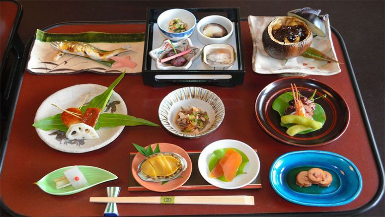 Gifu inn reproduces dishes served by 16th century feudal lord Nobunaga