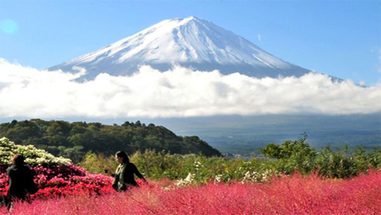 Mt. Fuji gets season's 1st snowcap, 16 days later than average year