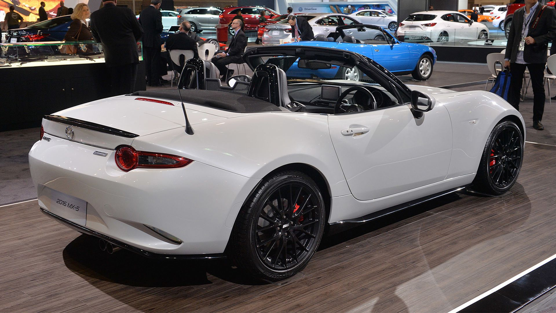 2015 Chicago Auto Show : Mazda Specs New MX 5 Miata With Accessories ...