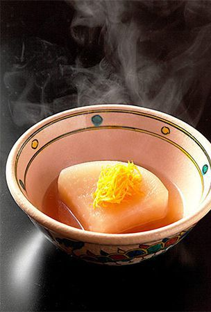 Simmered Kyoto daikon radish draws out 'umami' flavor