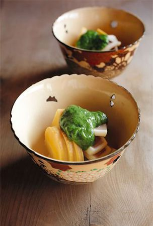 Bamboo shoot and squid flavored with green leaf-bud miso