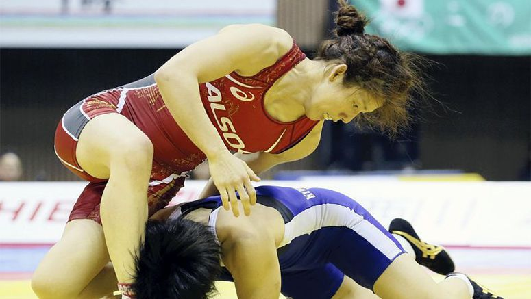 Mat-queen Yoshida fighting off age, younger wrestlers