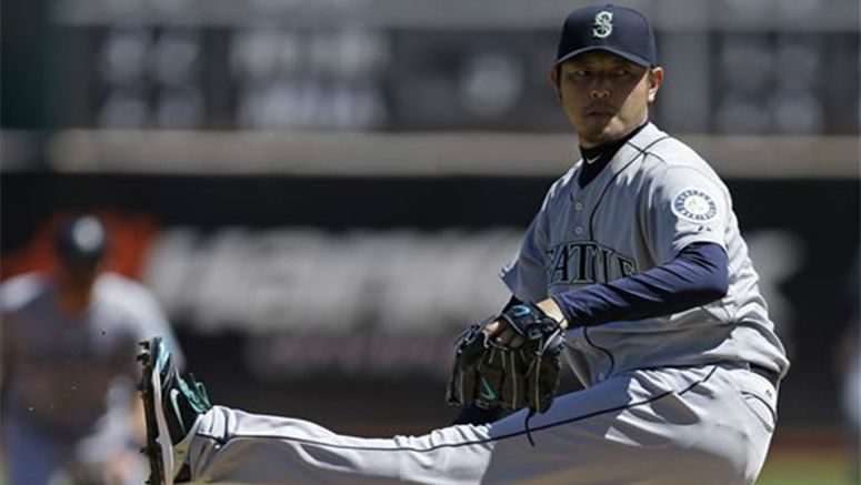 Baseball: Mariners' Iwakuma wins again in 3-2 victory over Athletics