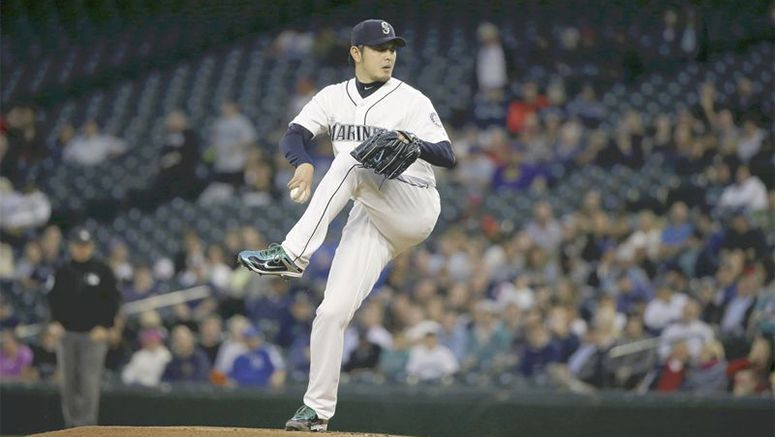 Montero backs Iwakuma with homer as M's win