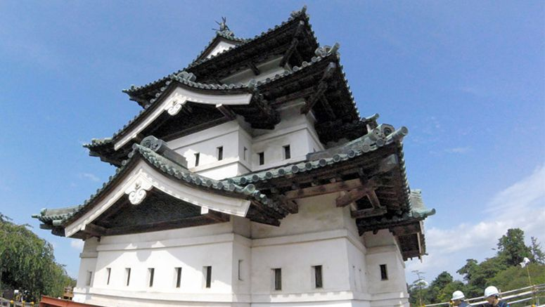 Earning their keep, workers start 1st renovation of Aomori castle in 100 years