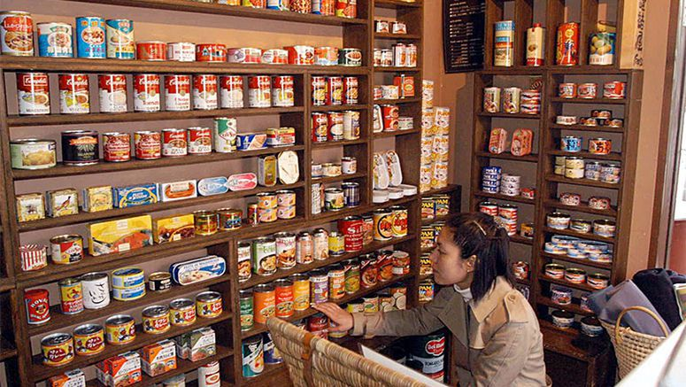 Forget cooked meals: Pub chain offers canned goods instead