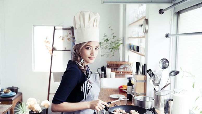 Rola to release her first recipe book
