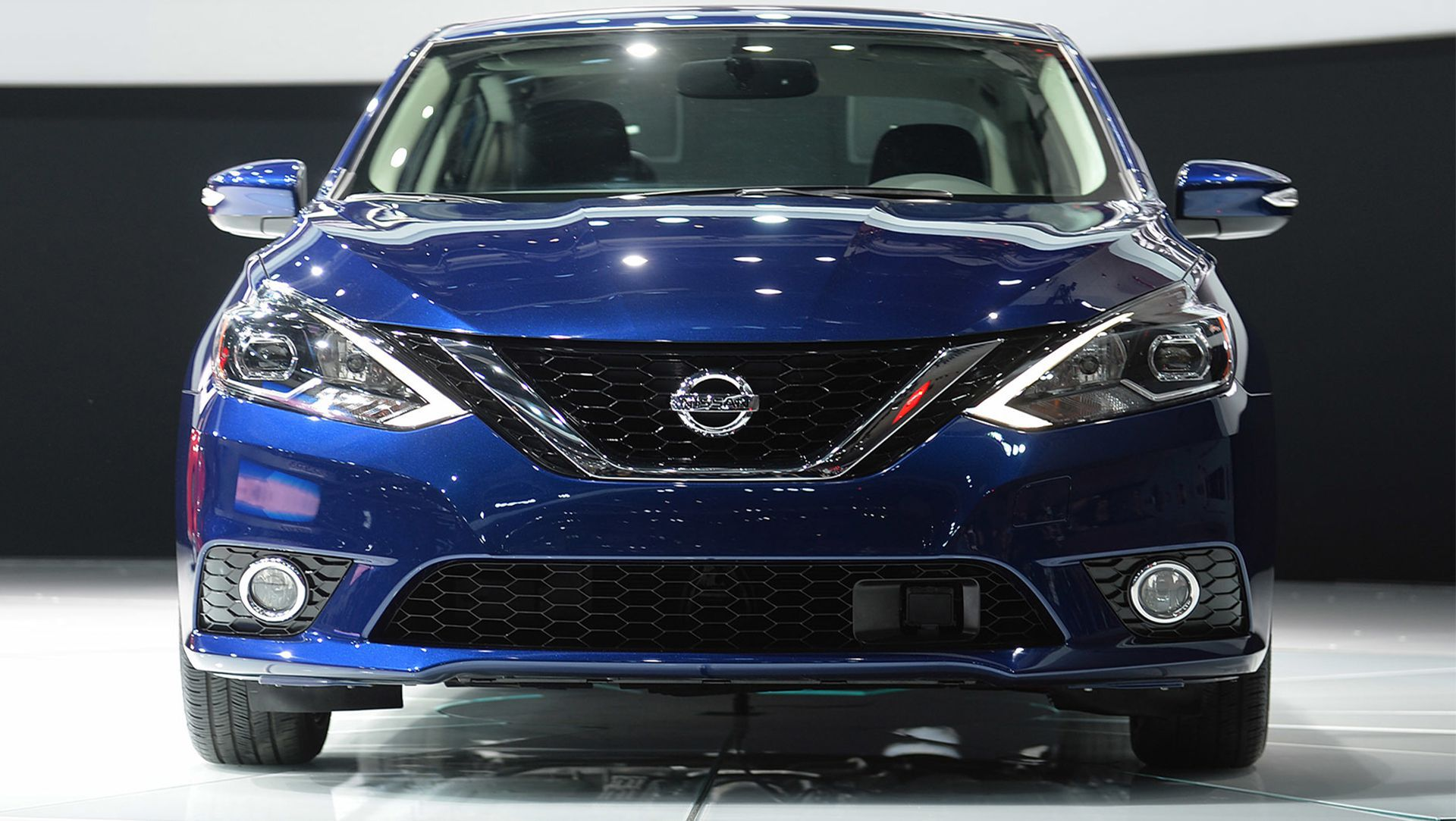 2018 nissan sentra sv. wonderful nissan 2015 los angeles auto show  2016 nissan sentra u201c and 2018 nissan sentra sv