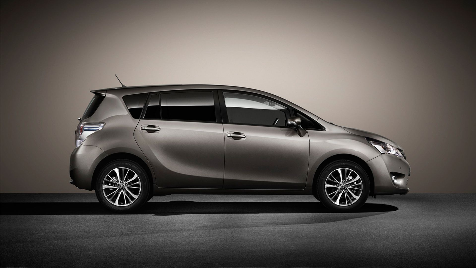 2016 Toyota Verso Mpv Gets Upgraded Auto Moto Japan Bullet 2015 Interior