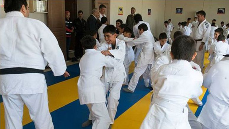 International Judo Federation honoured for giving lessons to children in refugee camp on Syria-Turkey border