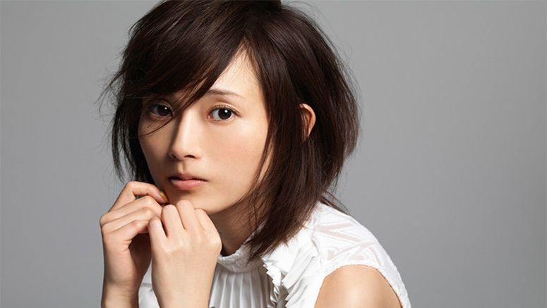 Abe Natsumi is pregnant with her first child