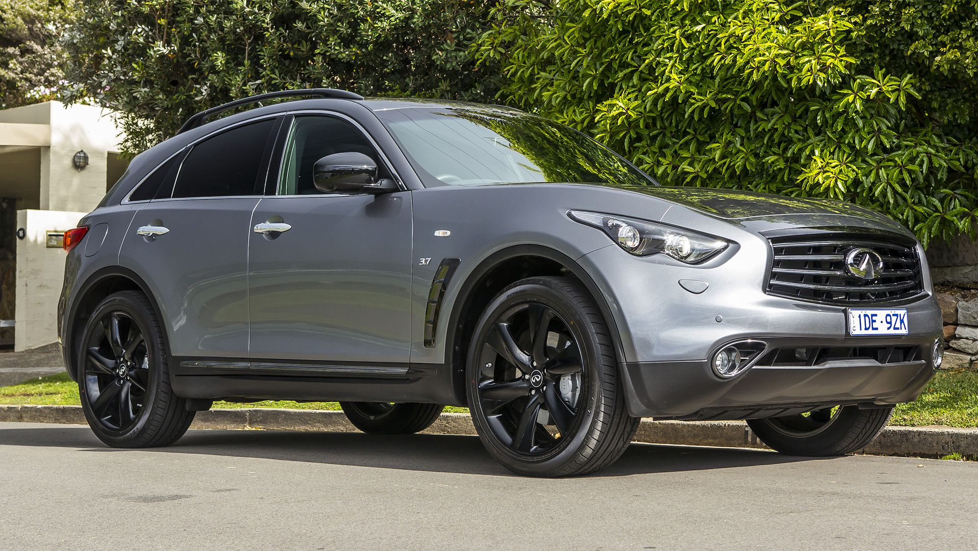 Infiniti to give up on QX70 3 0D sel by end of 2016 in Australia