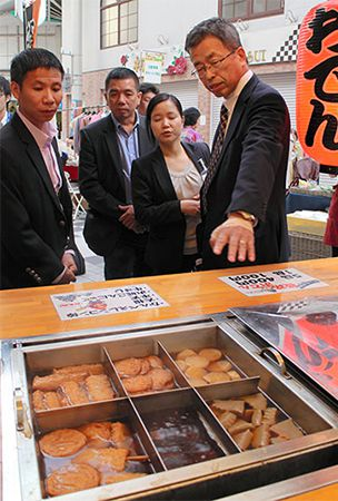Kansai companies work to spread cheap, tasty local foods around Asia