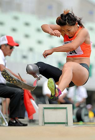After seminude kerfuffle, long jumper looks to Rio Paralympics