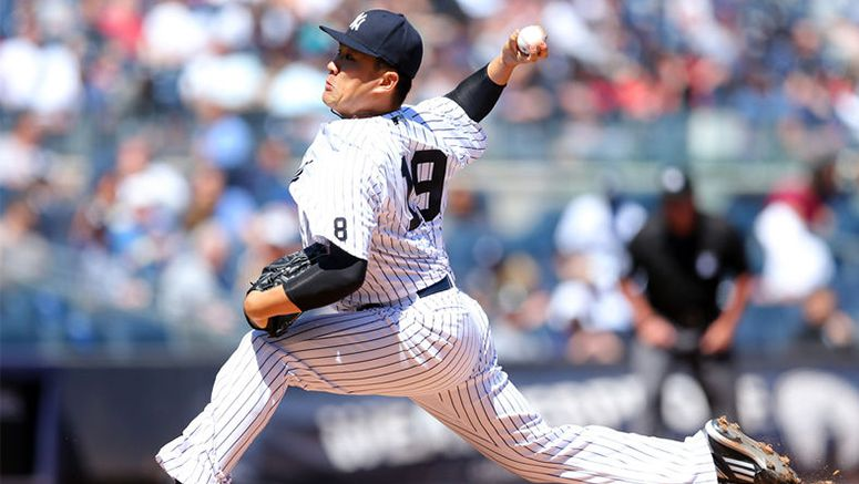 Baseball : Tanaka prevails in duel with Iwakuma