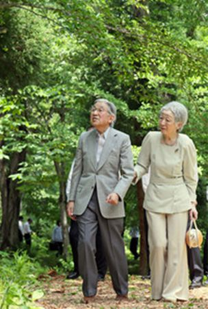 Emperor visits central Japan forest managed by British-born author