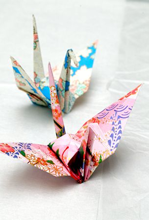 Hiroshima peace museum to put Obama's origami cranes on show
